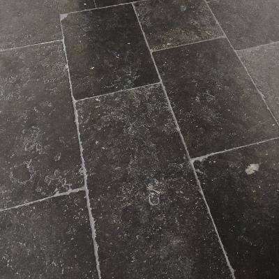 Natuursteen tegel Belgisch Hardsteen Kerkdal, zwaar verouderd